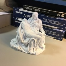 This print has been uploaded by : anthonycarpenter : Printed a .1 mm layers on the Tevo Little monster @ 120mm/s base speed in simplify3d.  60 degree auto generated supports, and manual placement under nose and chin of mary, including hands and fingers.