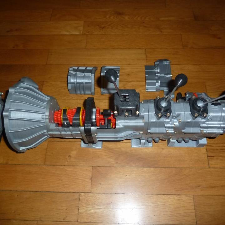 Picture of print of Complete working model, 4 cylinder engine, transmission, and transfer case. Educational Toy This print has been uploaded by Wim de Groot
