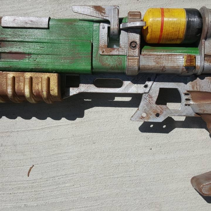 This print has been uploaded by Stoney Enix, Weathered Fallout 4 Laser Pistol.  Photos of Build can be found at https://www.facebook.com/PhenixFireCosplay/