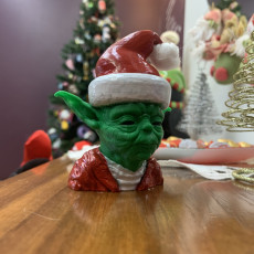 Picture of print of Santa Yoda This print has been uploaded by Alexandre