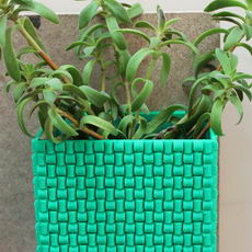 Weaved flower pot