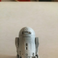 Picture of print of R2D2 This print has been uploaded by enrique menendez romero
