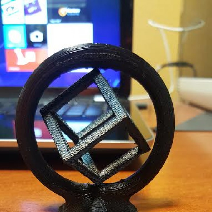 Picture of print of Spinning Cube This print has been uploaded by Valentin Gutierrez