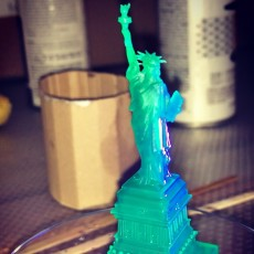 Picture of print of Statue of Liberty in Manhattan, New York Esta impresión fue cargada por Andrey Katsman