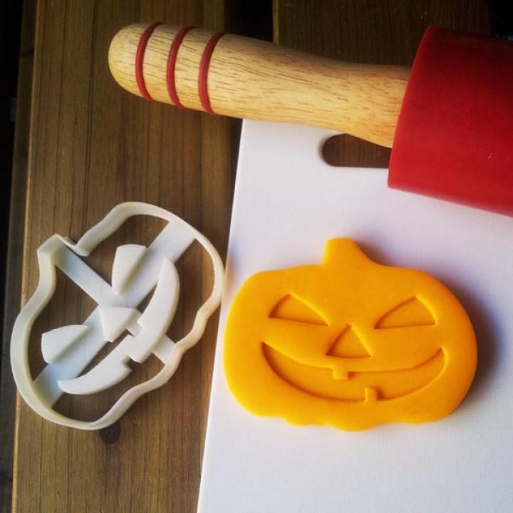 Pumpkin cookie cutter