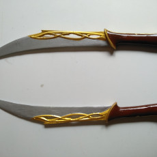 Picture of print of Tauriels Daggers from The Hobbit