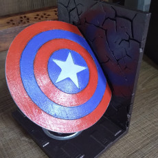 Picture of print of Captain America bookend