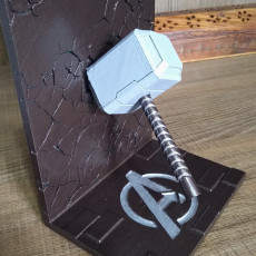 Picture of print of Thor bookend