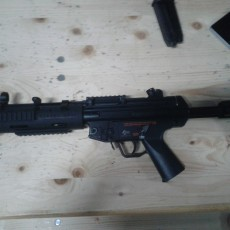 Picture of print of handguard and flashligth for mp5 sd airsoft