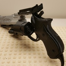 Picture of print of Destiny Hawkmoon Exotic Hand Cannon