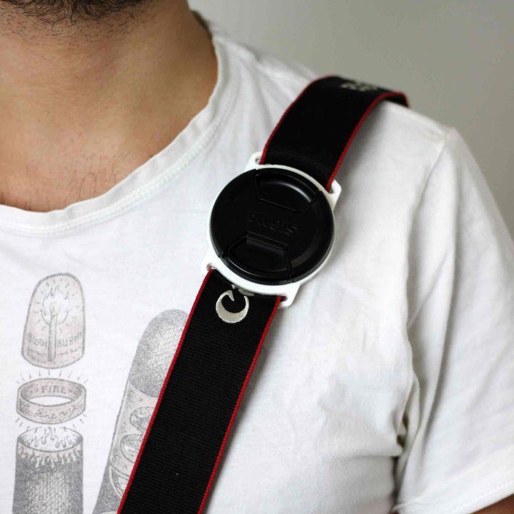 Lens cap holder for 62mm diameter lens