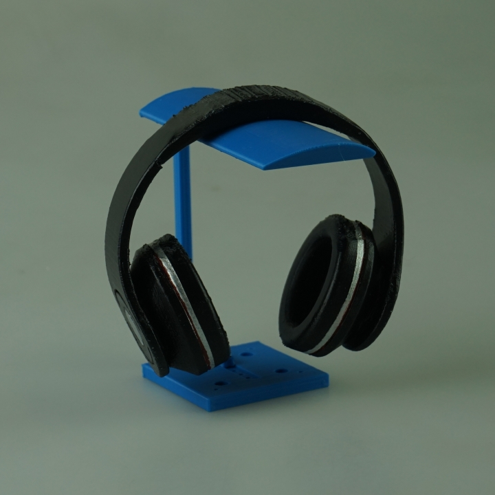 Juggernaut - 2 in 1 wall/desk headphone stand by Chris Woodle
