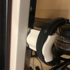 Picture of print of Curved headphone mount for multiple headphones