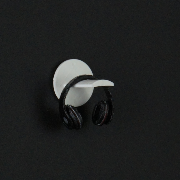 Silverstone wall mounted headphone stand
