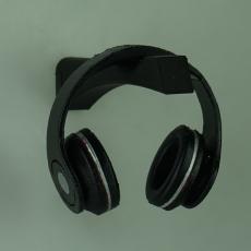 Headphone Stand, by Givingtnt : hidden screw, 2 piece design.