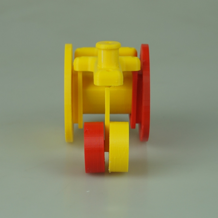 Balloon car with triangle wheels