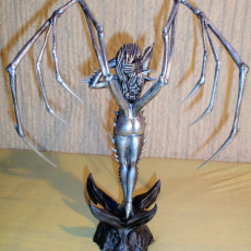 Picture of print of Starcraft KERRIGAN statue