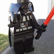 6  Darth Vader Minifig