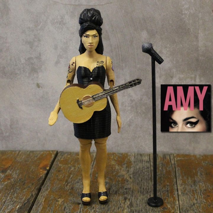 Amy Winehouse Articulated Doll - Support Free