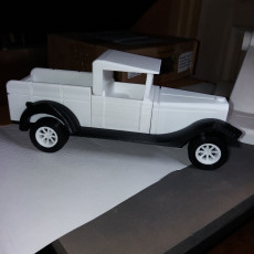 Picture of print of Cuban pickup truck