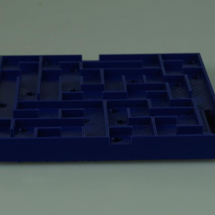 "LABYRINTH GAME - Basic Puzzle - ""The Dark V2"""