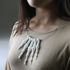Skeleton finger necklace