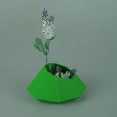 Inverse Diamond Vase