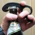 Bottle opener, one handed | Flaschenöffner, Einhandöffner image