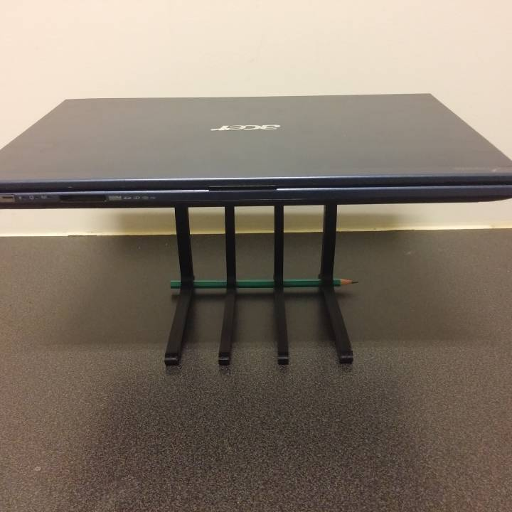 Laptop Stand - Minimal Material
