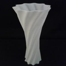 Spiral texture vase