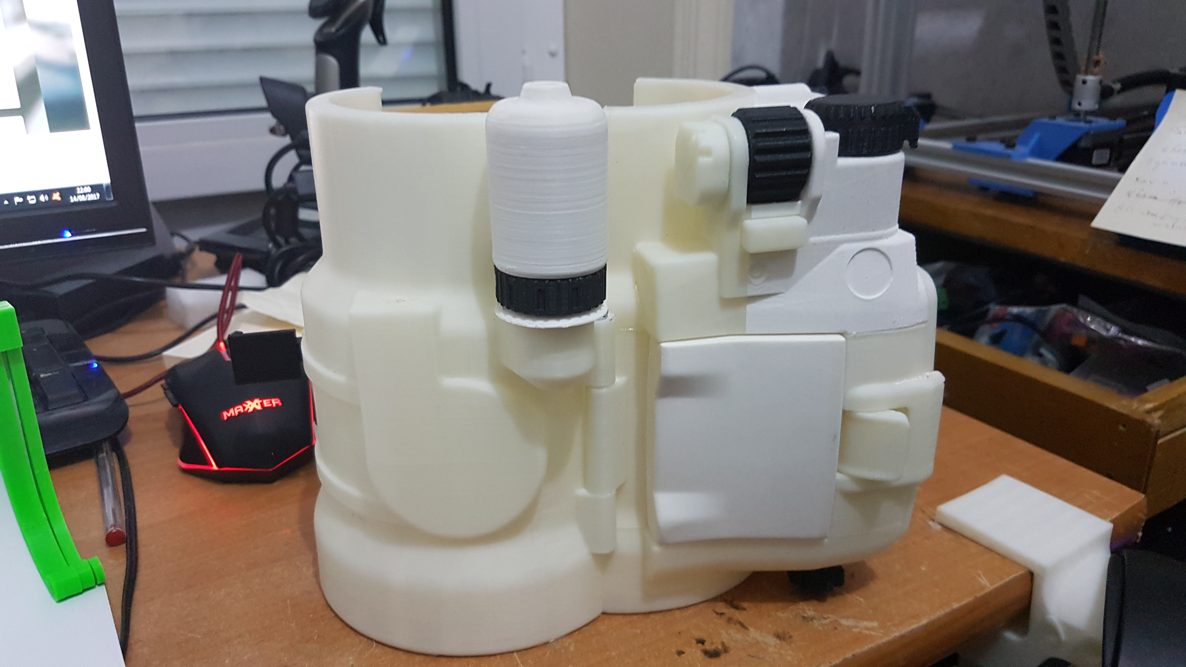3D Printable Fallout 4 - Pipboy 3000 MkIV by Daniel Lilygreen