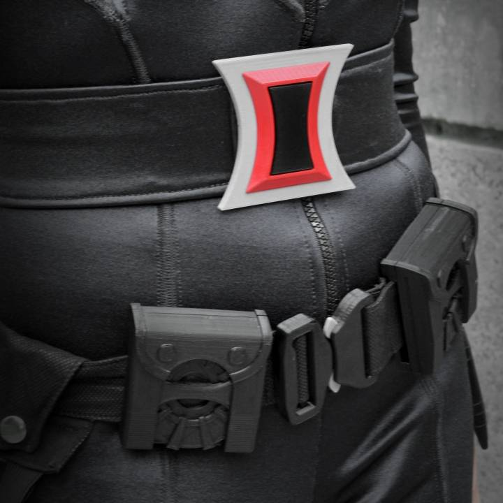 3d Printable Black Widow Belt Buckle By Jonathan Spoerke