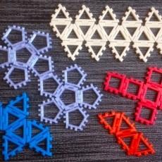 Customizable Hinged Polyhedra