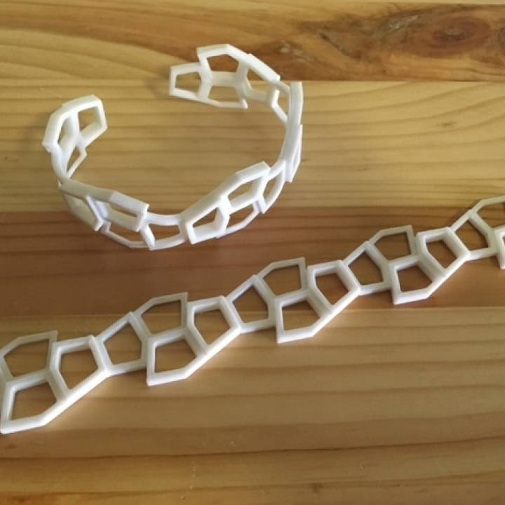 3d Printable Reinhardt Pentagon Thermoform Bracelet By