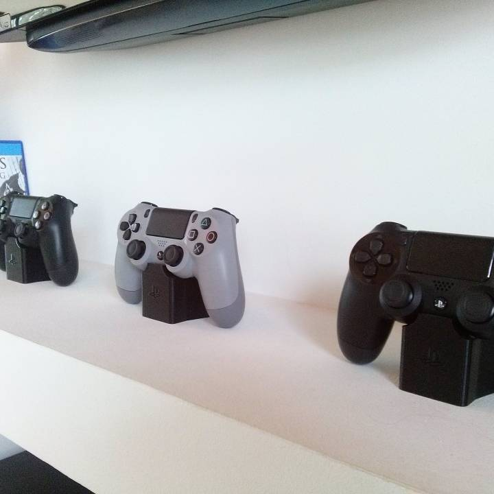 PS4 Remote Stand