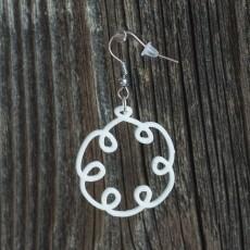 Earrings loop 1