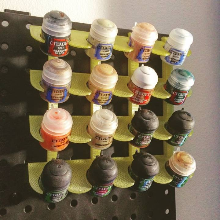 Paint Holder (peg board)