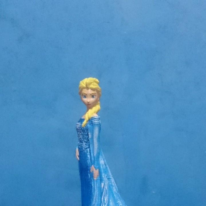 Picture of print of Elsa from 2013 Frozen This print has been uploaded by julian humberto tangarife