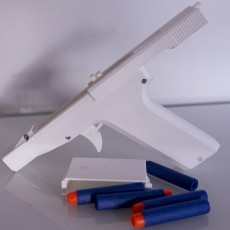 Nerf pistol with clip