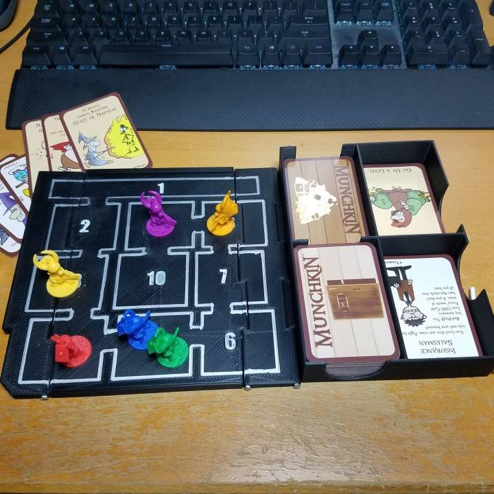 how to play munchkin deluxe board game