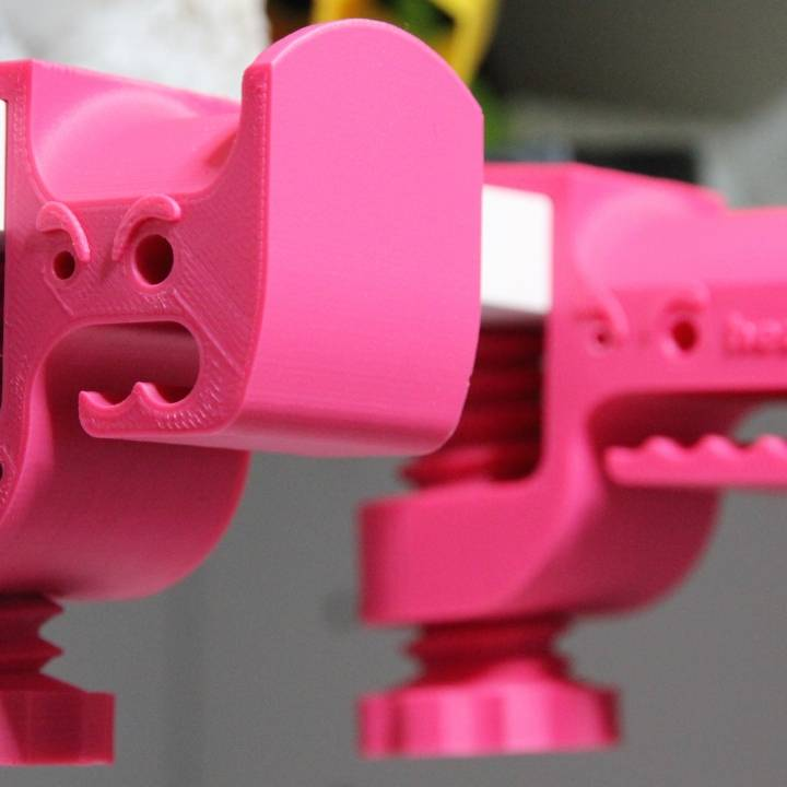 Monster Mouth Clampable Headphone Holder