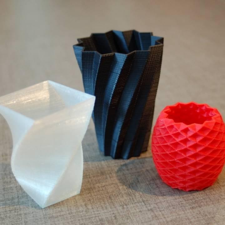 Square Vase, Cup, And Bracelet Generator