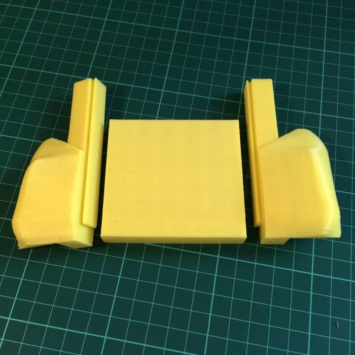 3D Printable Joy-Con Handheld Grip by Austin Law