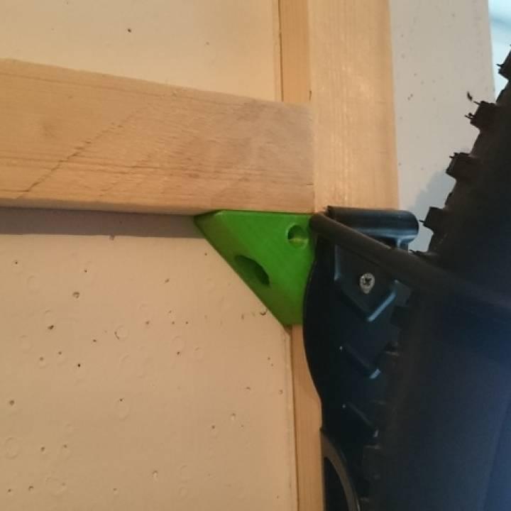Angle bracket / fastening angle / mounting bracket