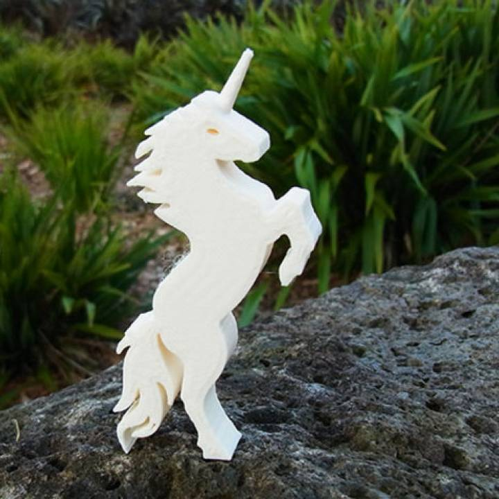Unicorn - Stands Up (Balanced by Tail)