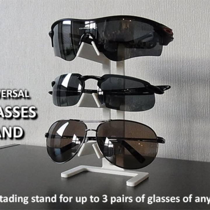 Universal Glasses Stand