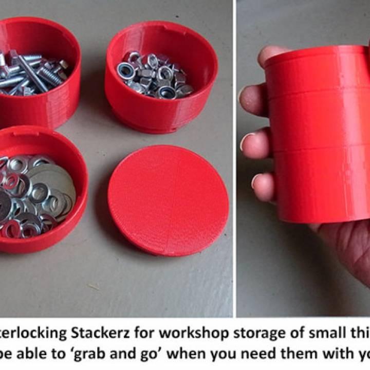 Interlocking Stackerz