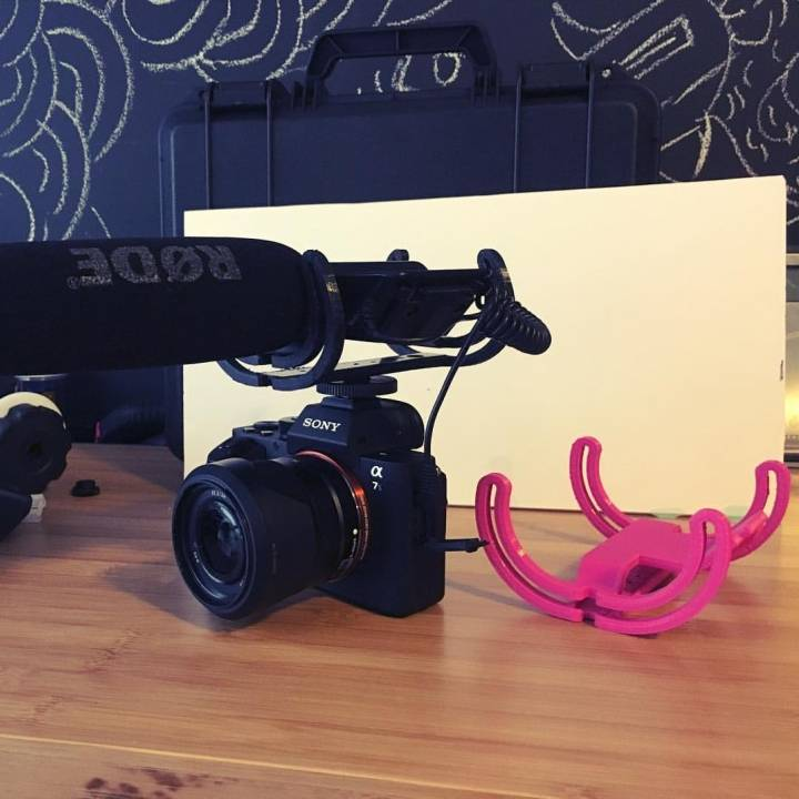 Rycote style cradle for classic rode videomic.
