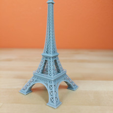 Picture of print of Eiffel Tower Model