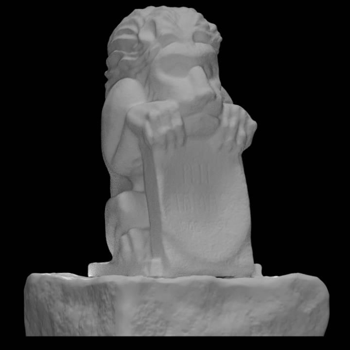 Memorial Peli Tamas (Lion in the tomb)